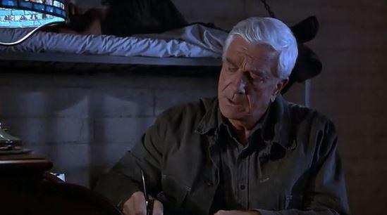 Голый пистолет 33 1/3: Последний выпад - фильм (1994). Кадр из фильма